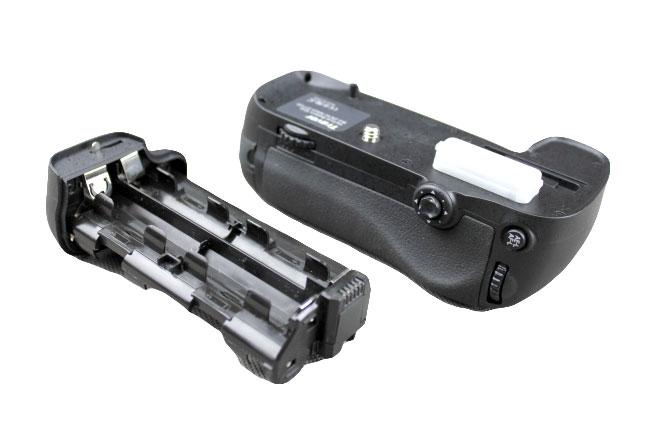 Bateriový grip Nikon D800, MB-D12 (BG-2H)